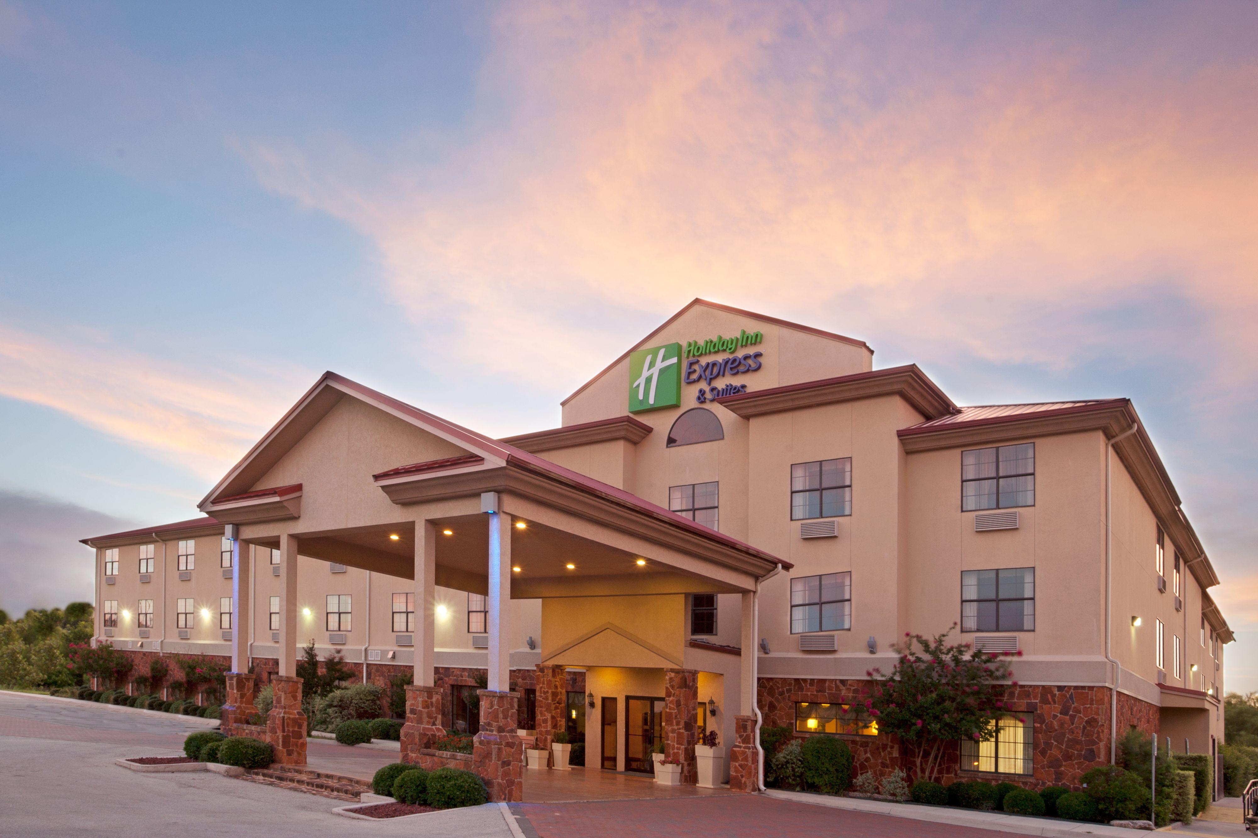 Holiday Inn Express Amp Suites Kent State University Kent