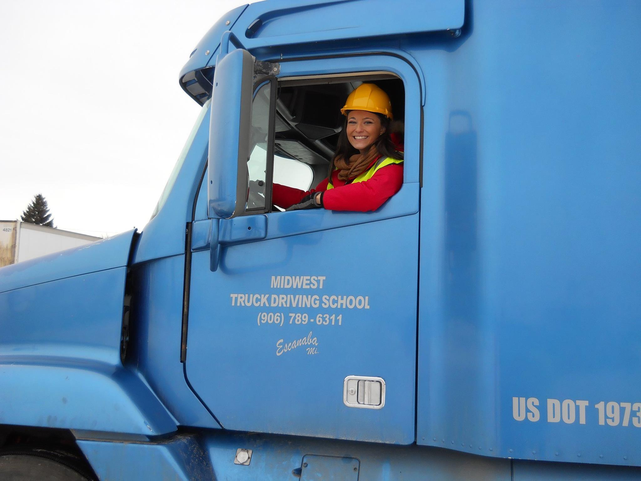 Truck Driving Schools in Michigan with Student Reviews