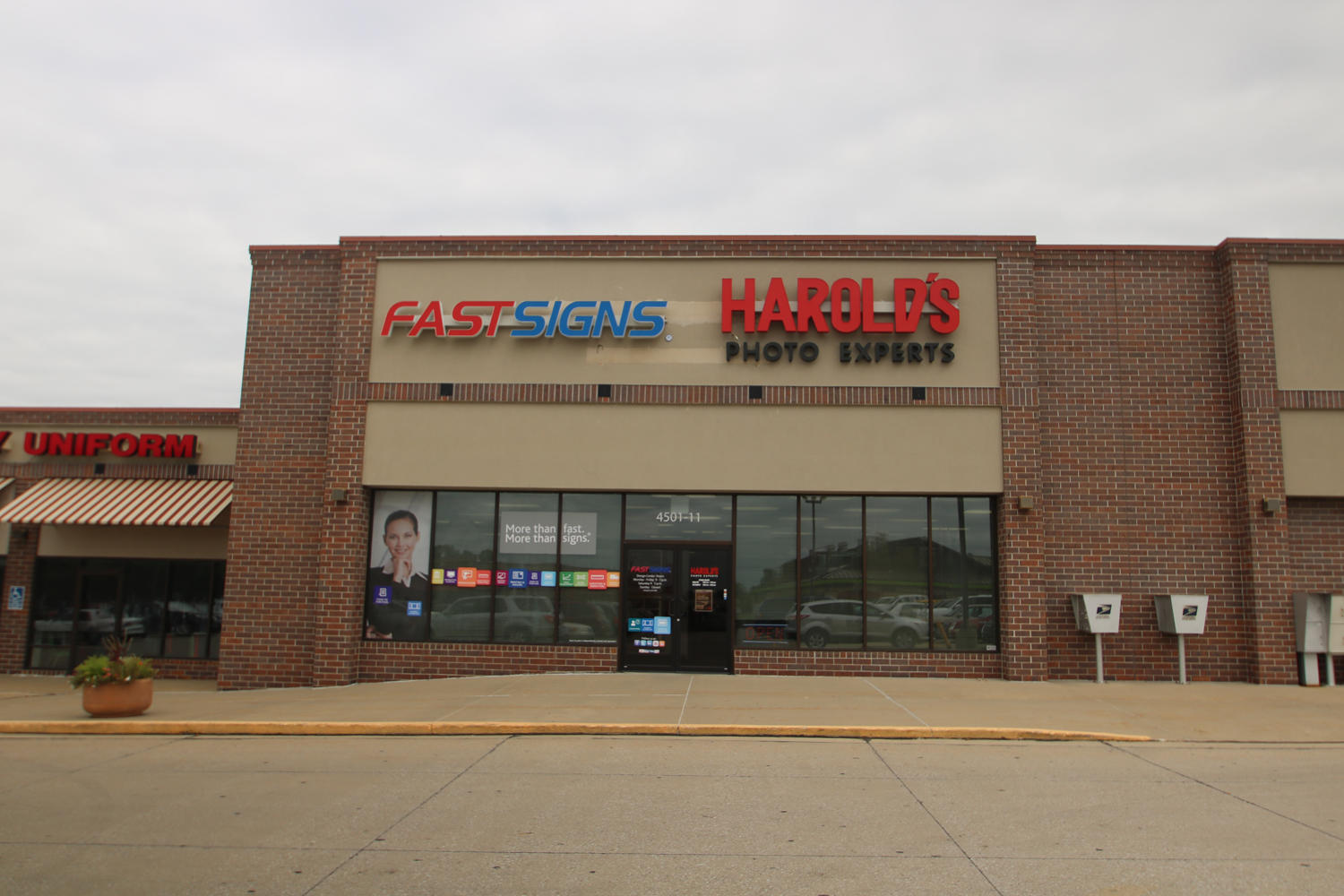 Harold 39 s photo experts in sioux city ia 51106 for Craft stores in sioux city iowa