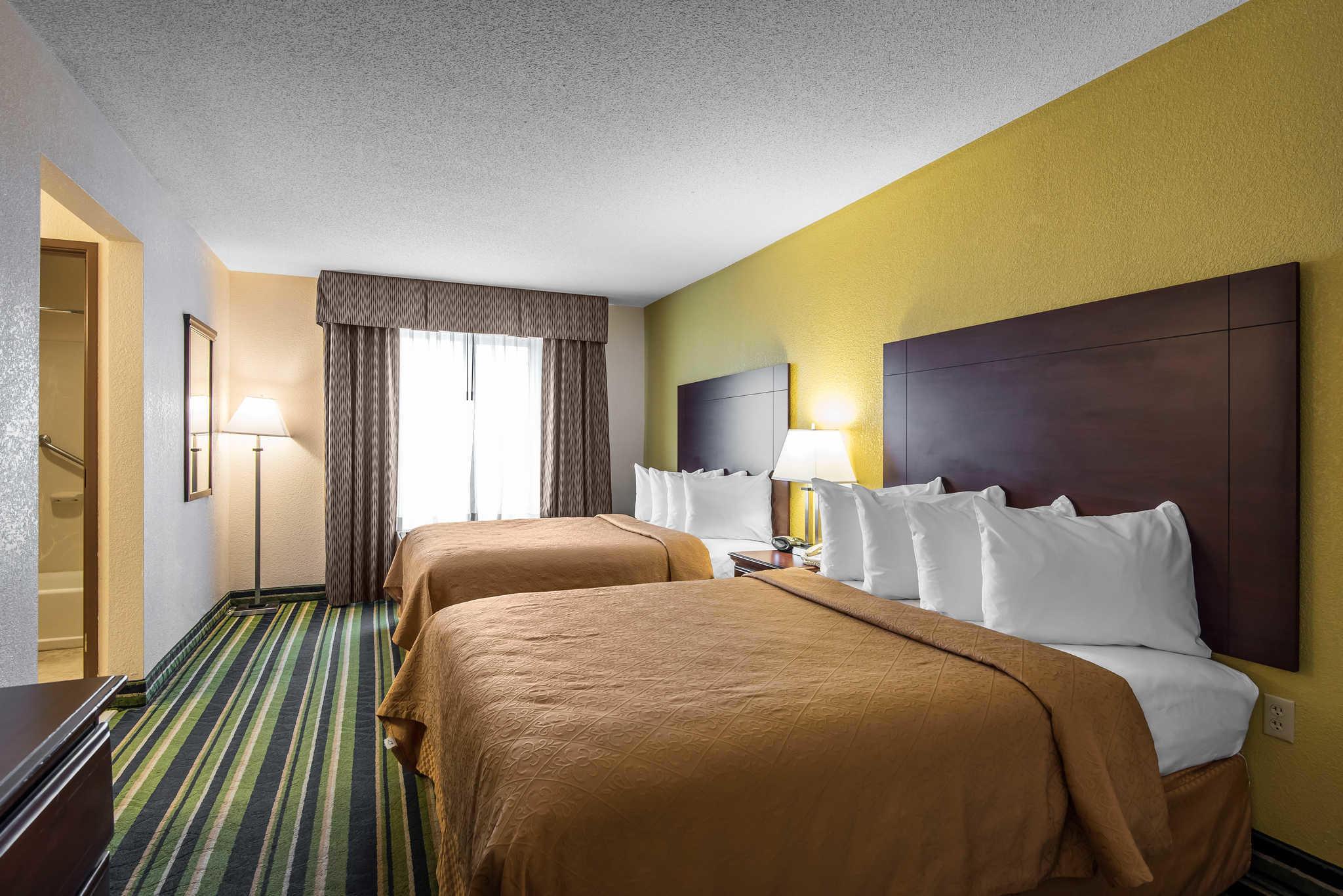 Hilton Hotels Near Arrowhead Stadium