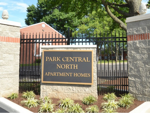 Park central north indianapolis indiana in for Apartments near central park