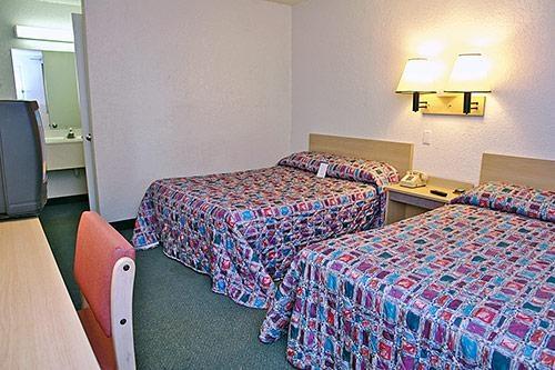 Motel 6 Denver Central - Federal Boulevard image 2