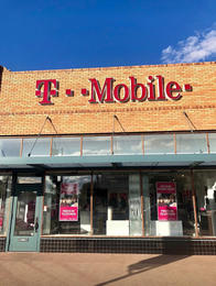 Exterior photo of T-Mobile Store at 7th & McDowell 3, Phoenix, AZ