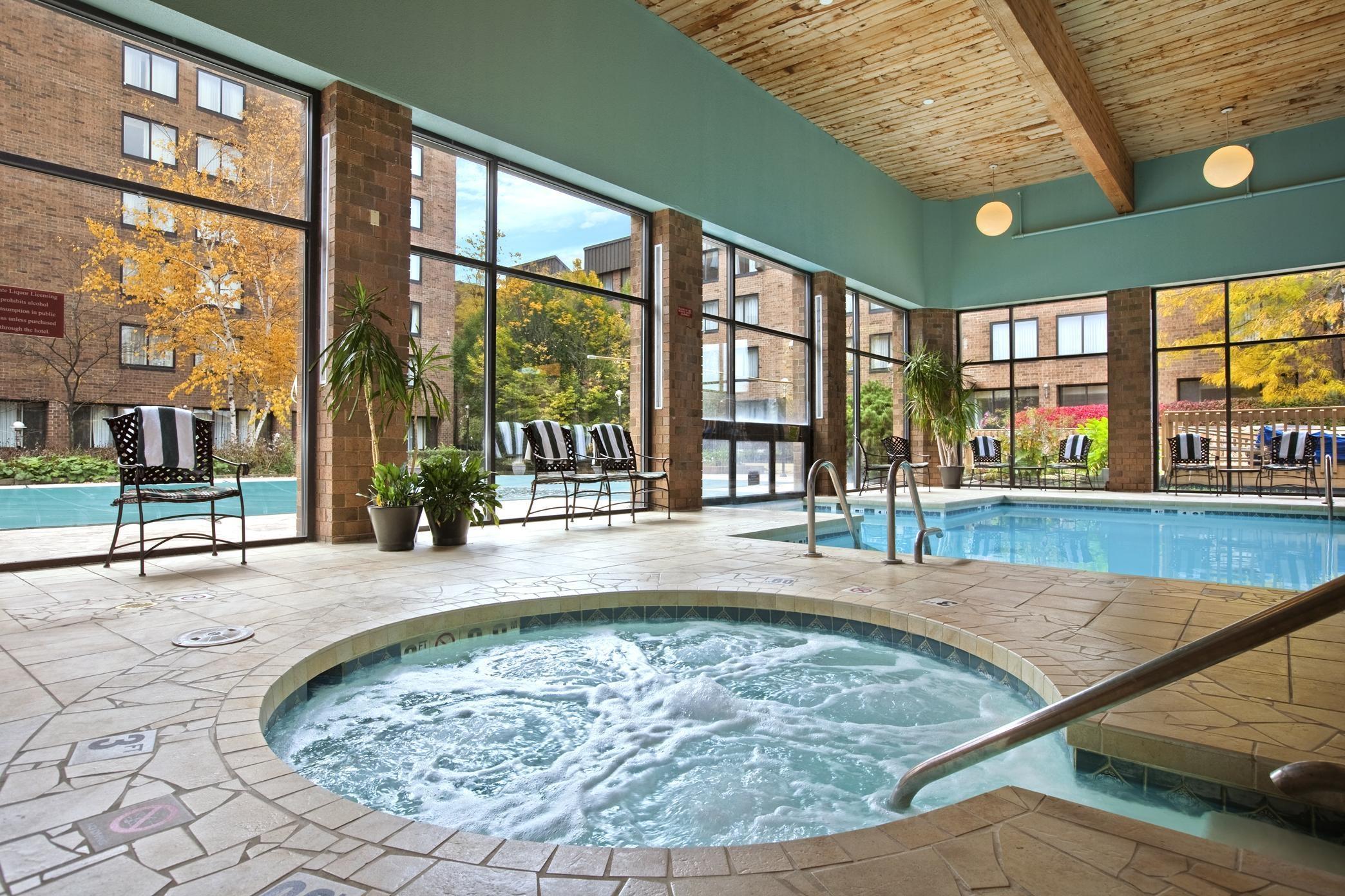 Doubletree By Hilton Hotel Cleveland East Beachwood