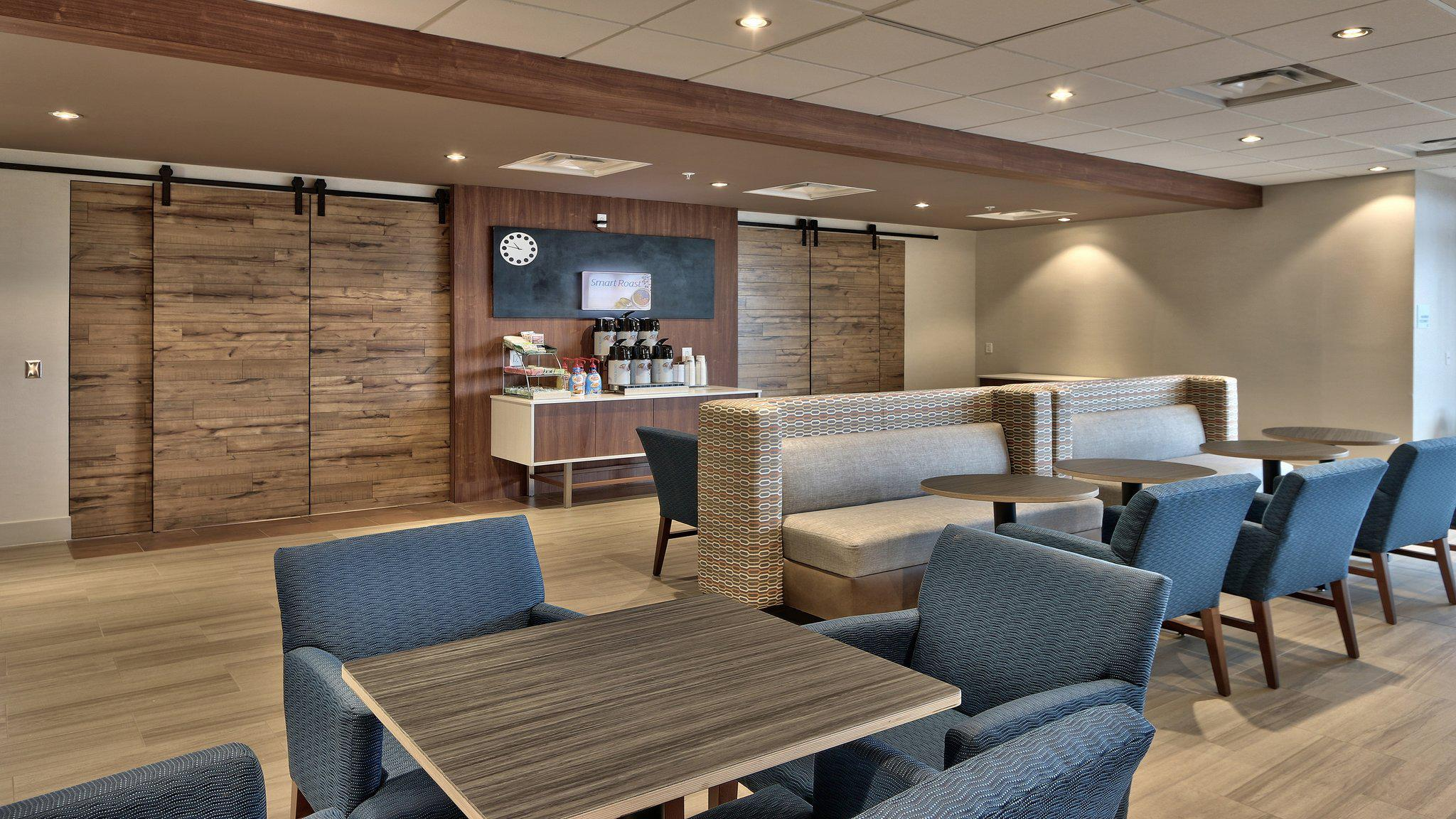 Holiday Inn Express & Suites Denver Northwest - Broomfield, an IHG Hotel
