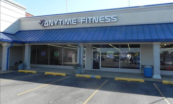 anytime fitness in jacksonville il 62650. Black Bedroom Furniture Sets. Home Design Ideas