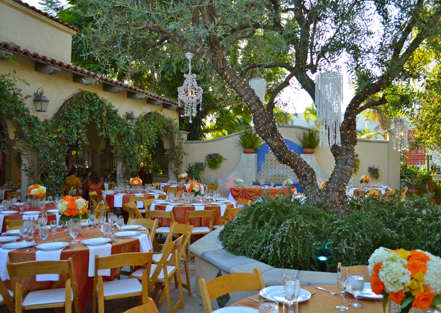 The Green Parrot Villa In Santa Ana Ca 714 569 1970