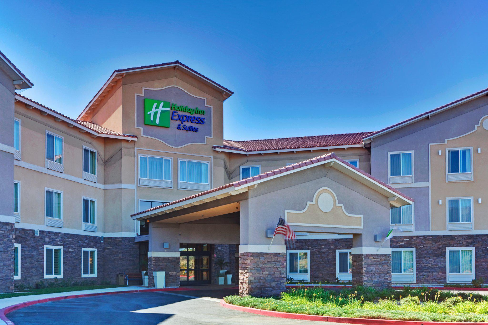 Holiday Inn Express & Suites Beaumont - Oak Valley, an IHG Hotel