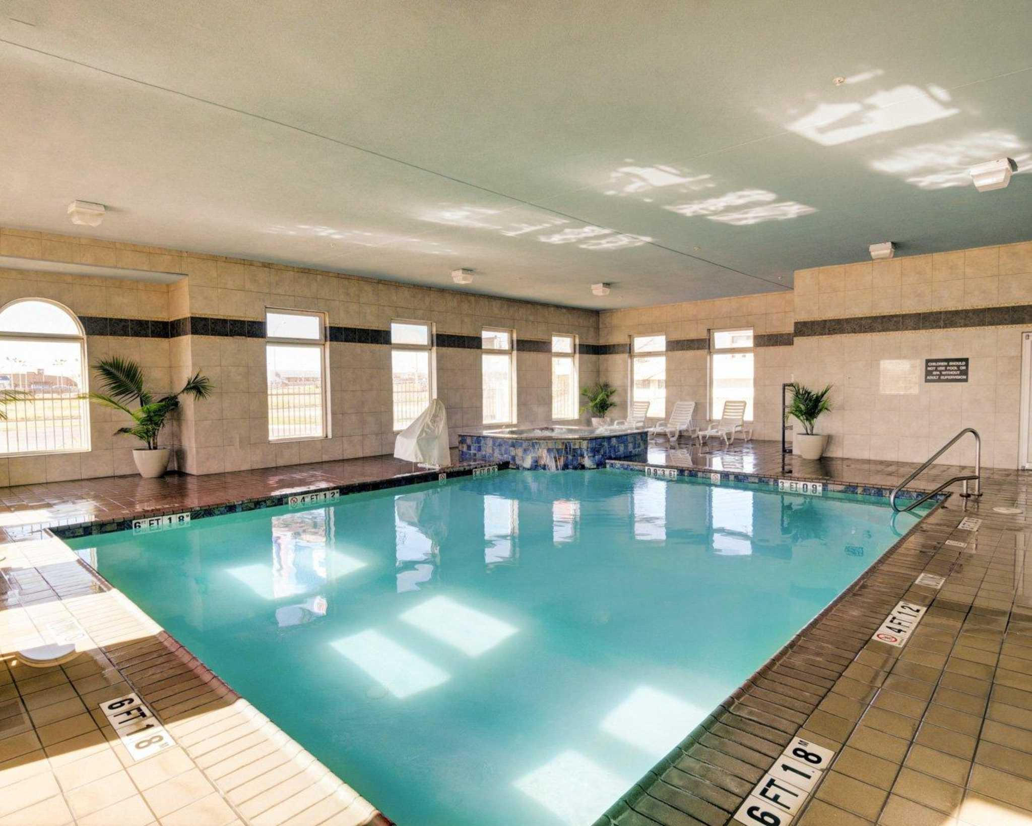 Comfort inn suites in amarillo tx 79102 for Amarillo parks and recreation swimming pools