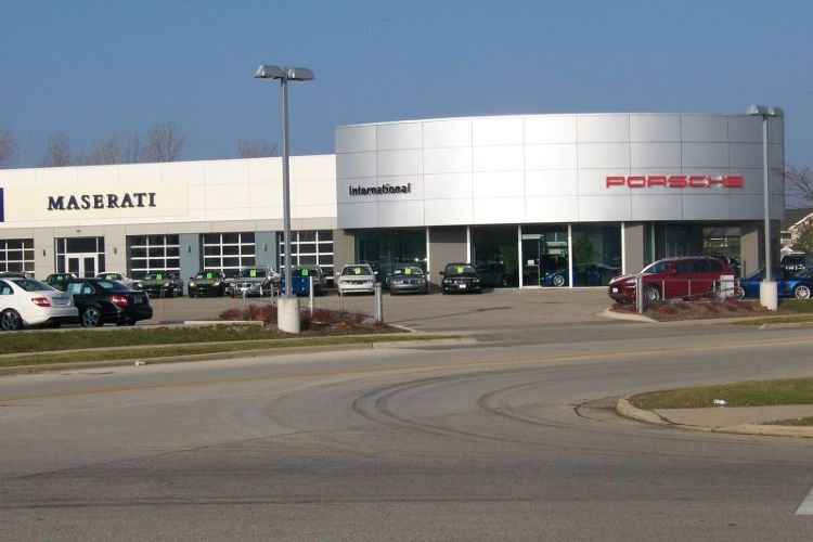 International porsche of waukesha waukesha wisconsin wi for Mercedes benz of elmbrook