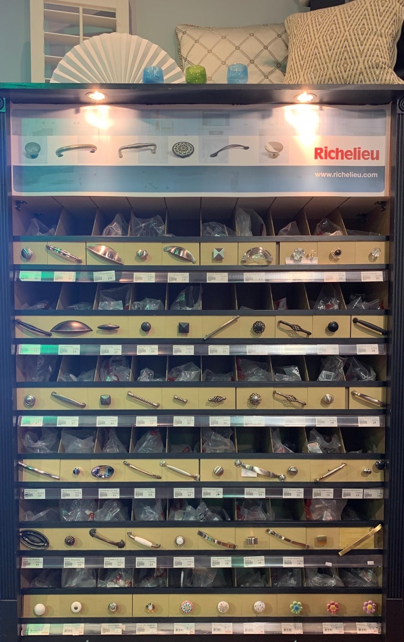 Hub Quincaillerie à Beaconsfield: Richelieu
