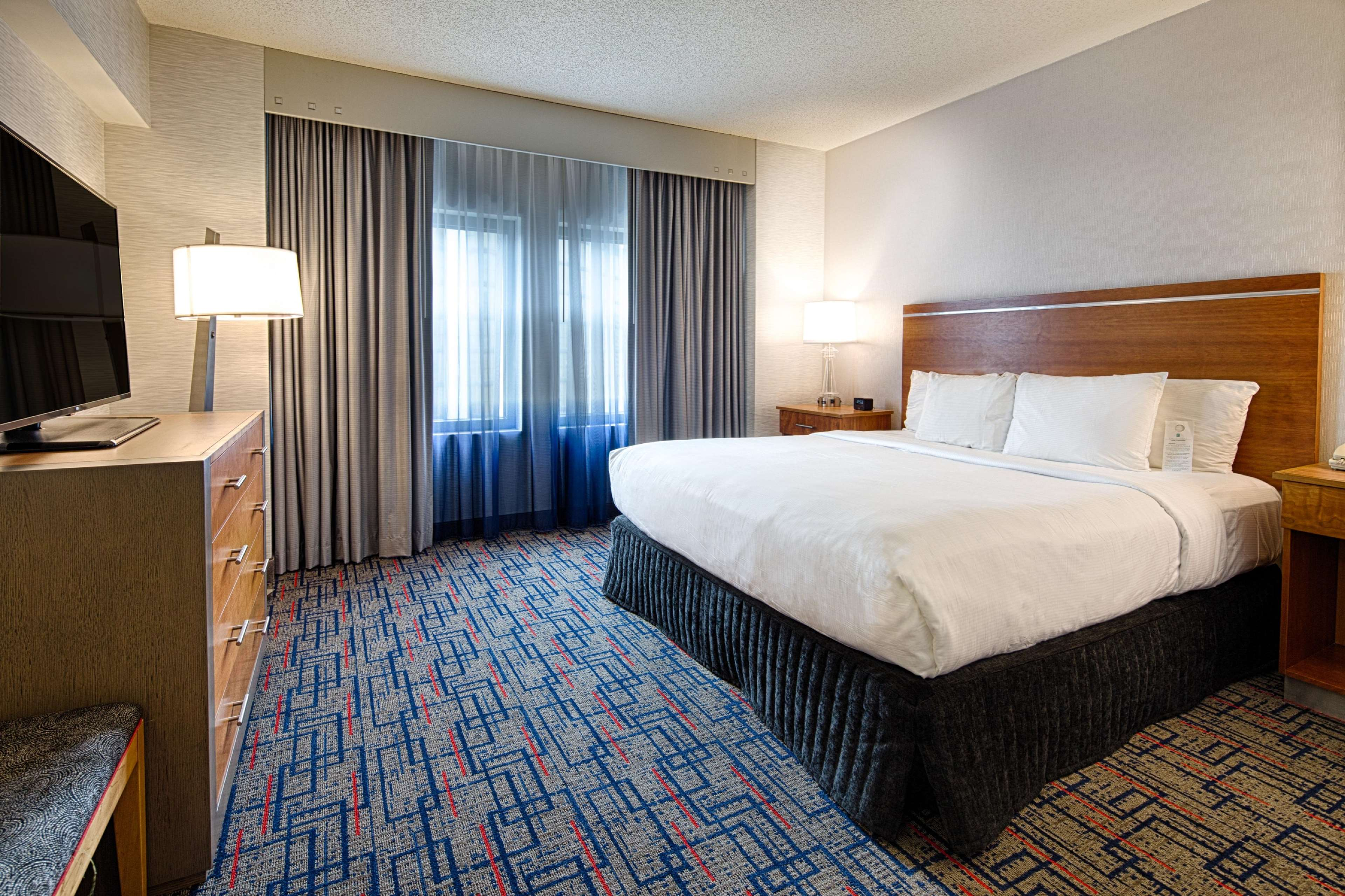 Embassy Suites By Hilton Chicago O Hare Rosemont Rosemont