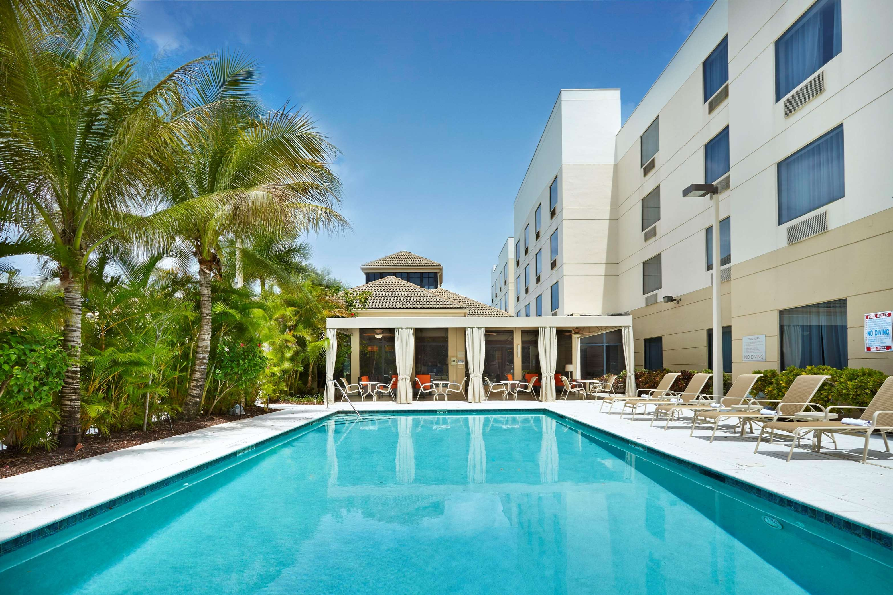 West Palm Beach Hotels Near Airport