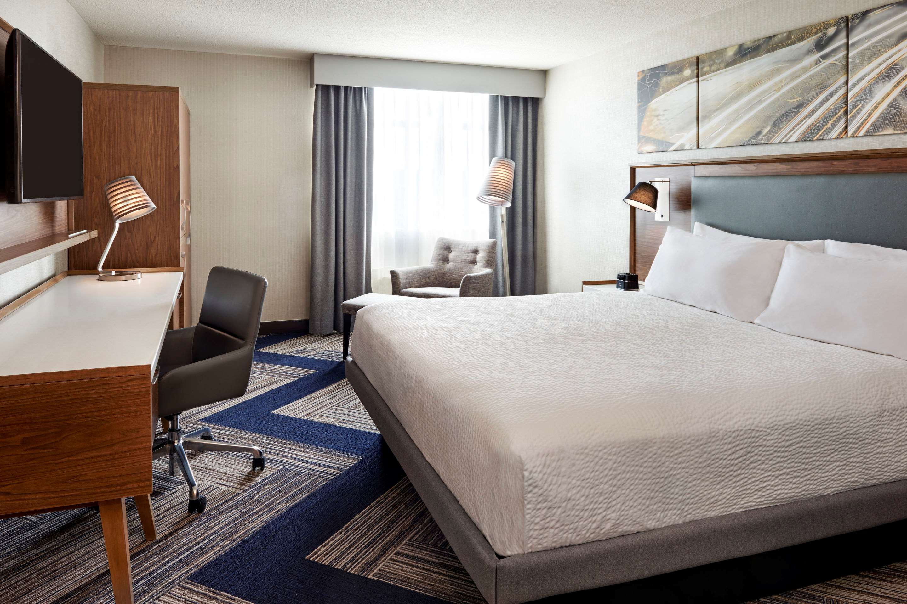 Guest room with added amenities Comfort Inn Sarnia (519)383-6767