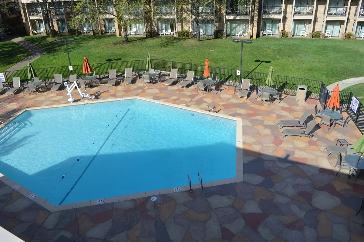 Swimming pool contractor blue diamond pools redding for Local pool contractors
