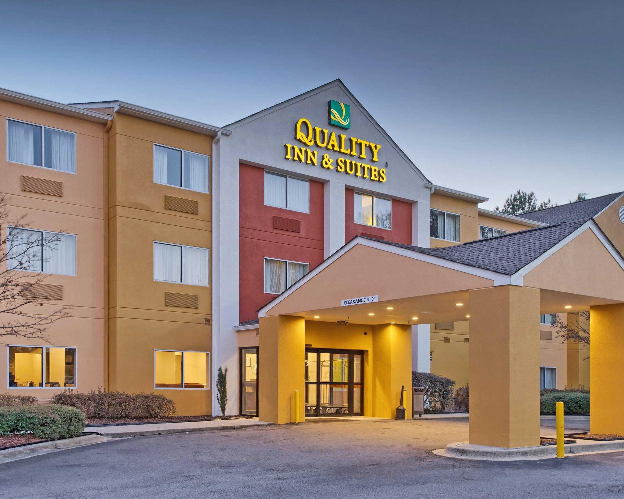 Hotels Near Birmingham Zoo With Indoor Pool