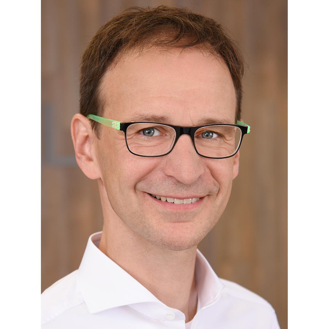 Bild zu Dr. med. Günther Riedel Facharzt für Plastische und Ästhetische Chirurgie Zusatzbezeichnung Handchirurgie in Wiesbaden