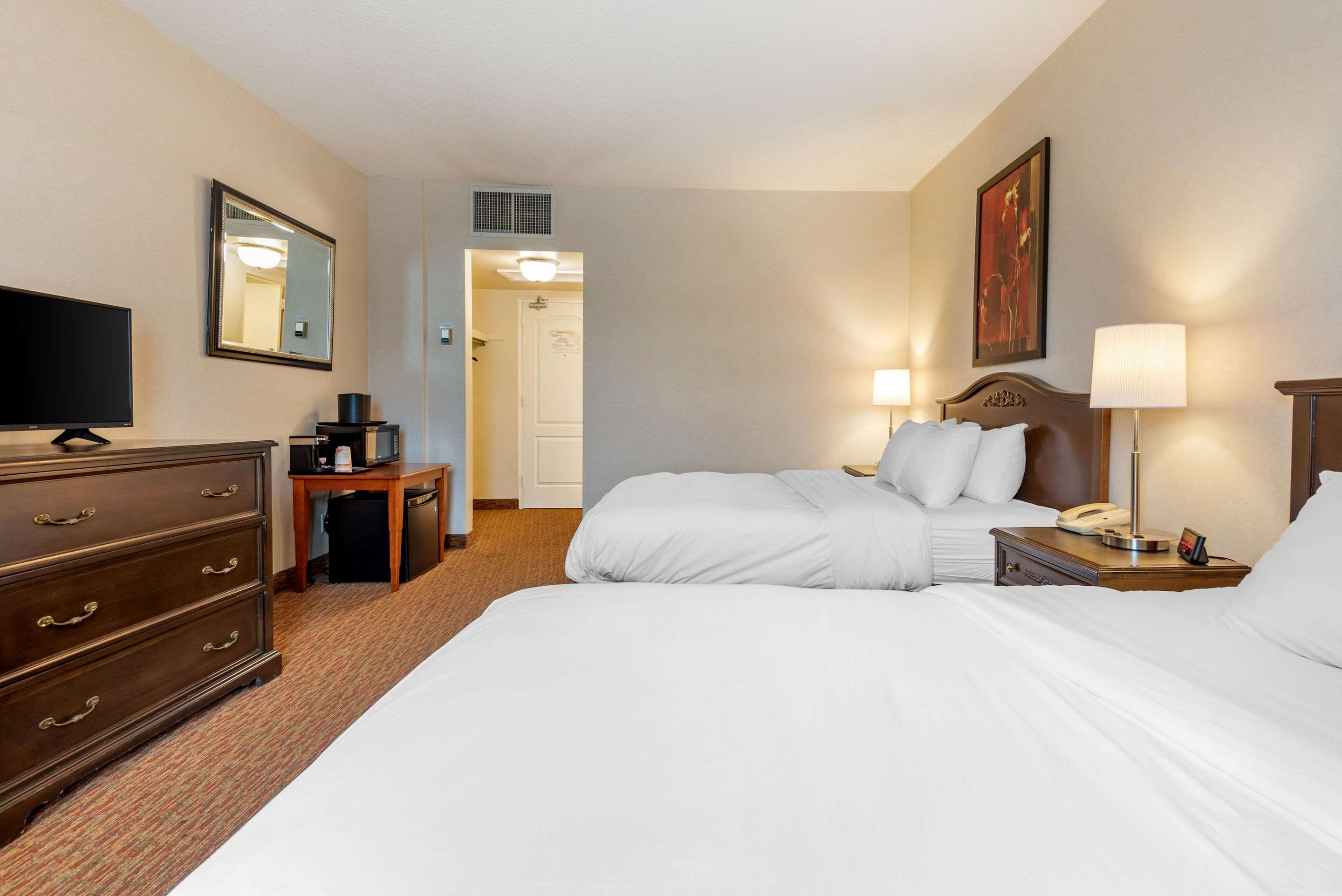 Guest room with queen bed(s) Quality Inn Sarnia (519)344-1157