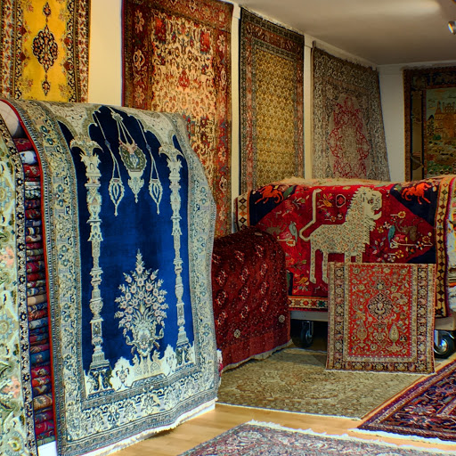 Teppiche-Möbel-Antiquitäten, Art Oriental