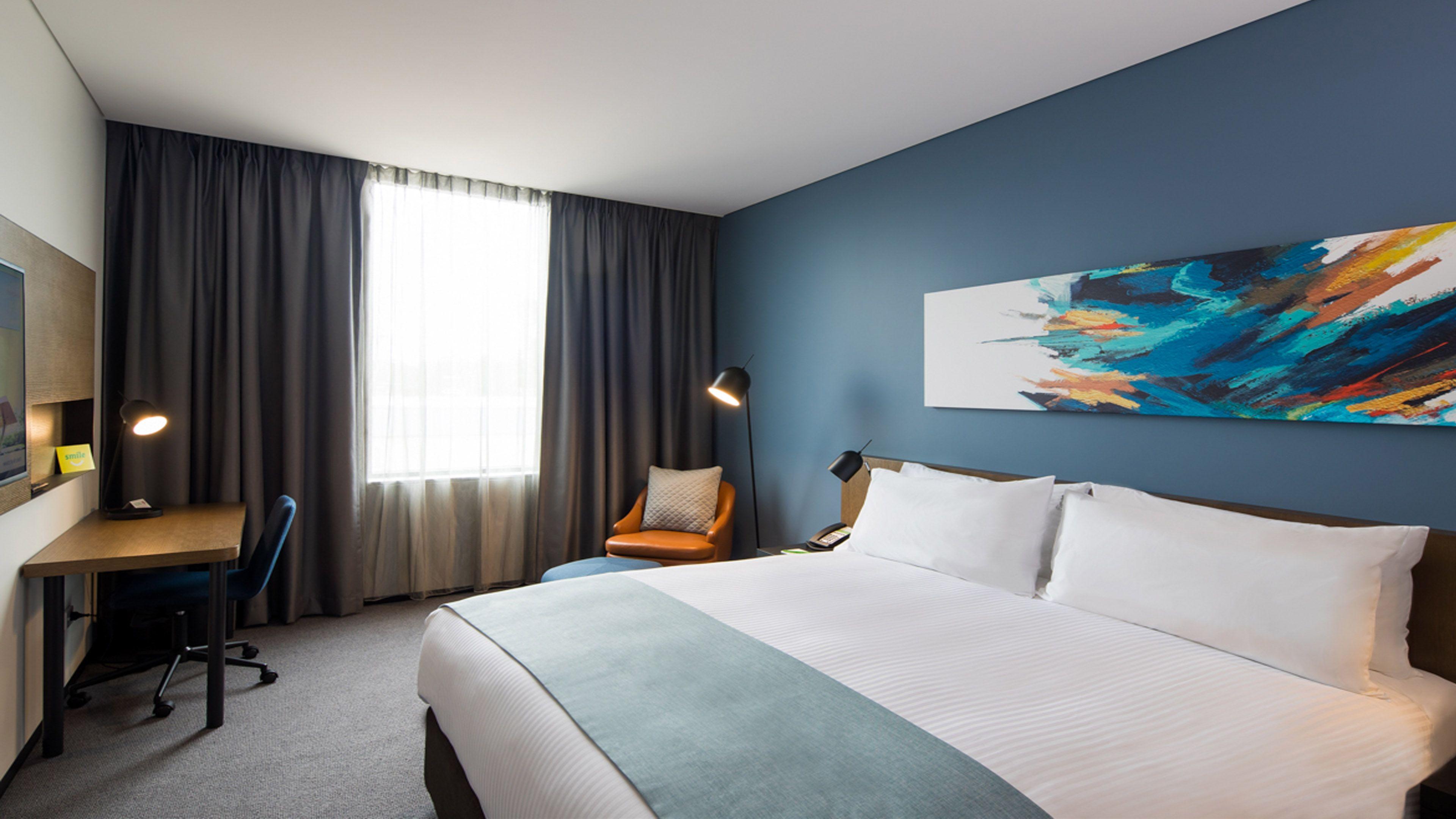 Holiday Inn Sydney St Marys Sydney (02) 9208 5678