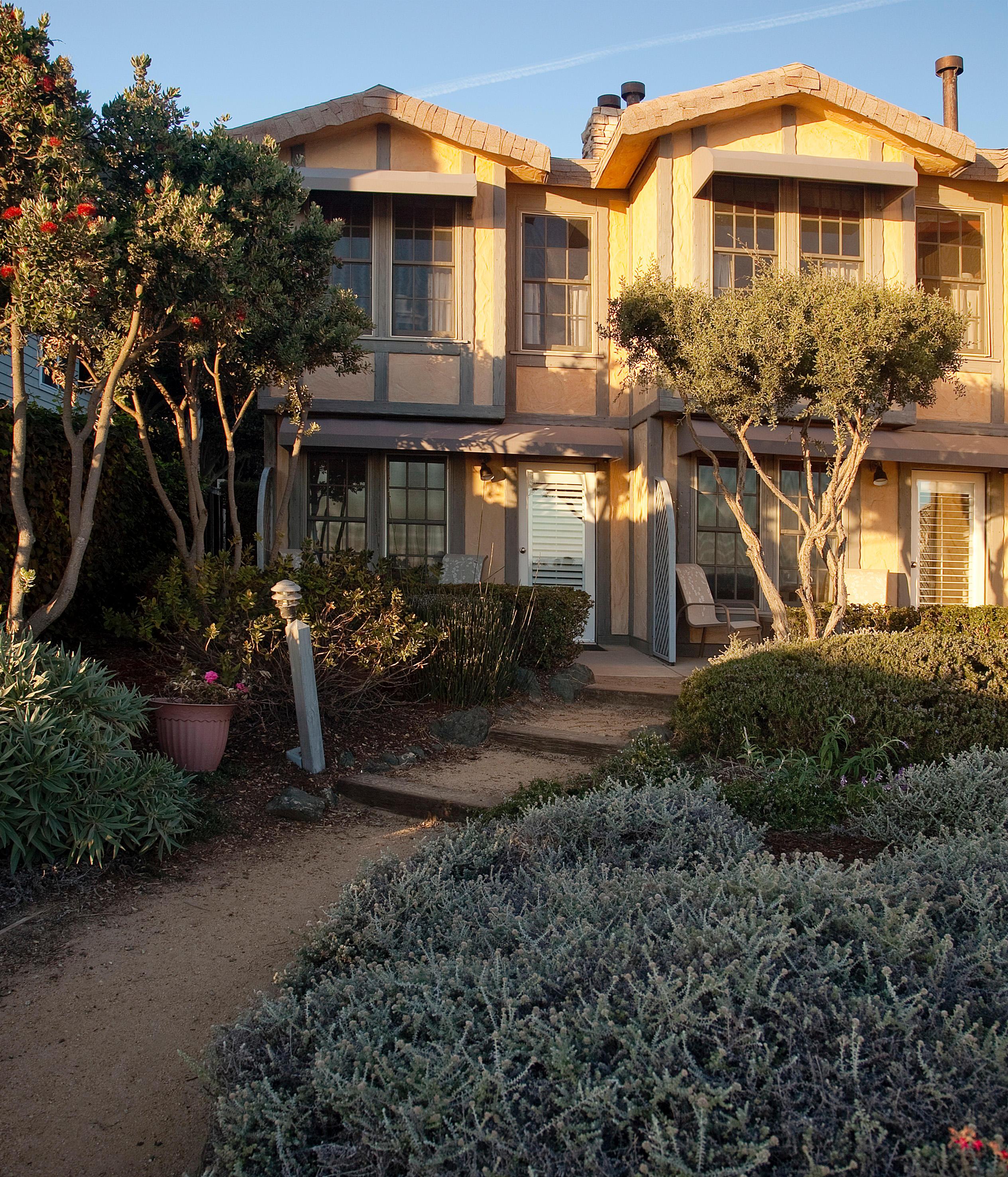Cottage Inn By The Sea, Pismo Beach California (CA