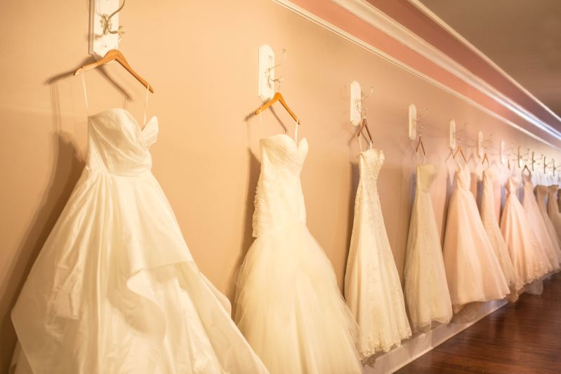 Couture closet bridal boutique in la grange ky 40031 for Chamber of couture