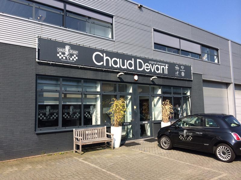 Chaud Devant