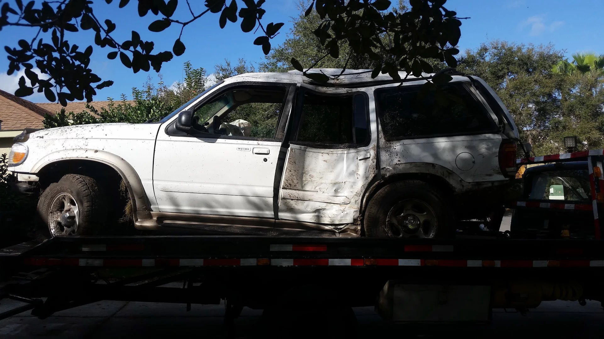 1999 Ford Explorer, mud roll over, all bent out of shape