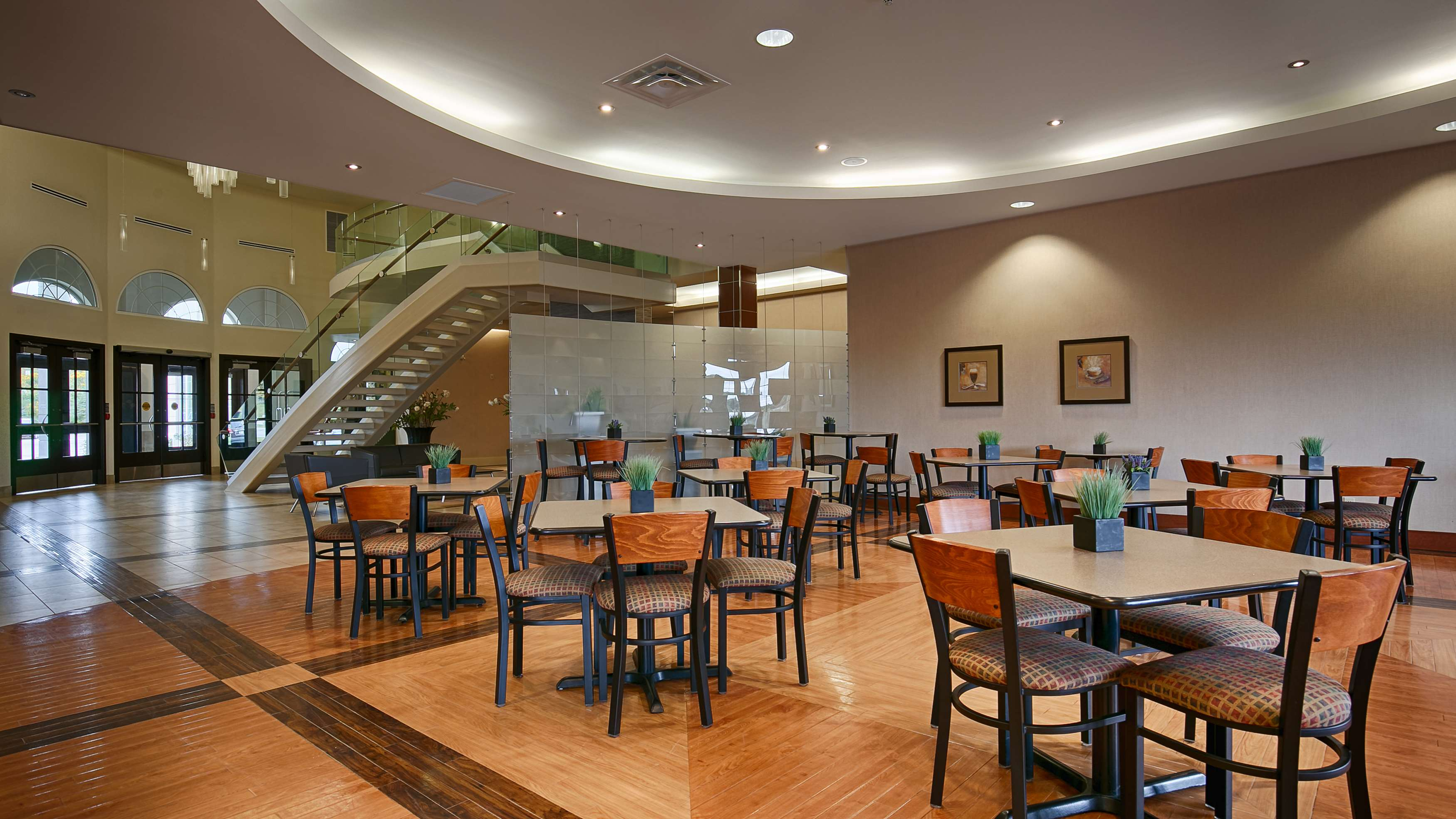 Breakfast Area Best Western Plus Orangeville Inn & Suites Orangeville (519)941-3311