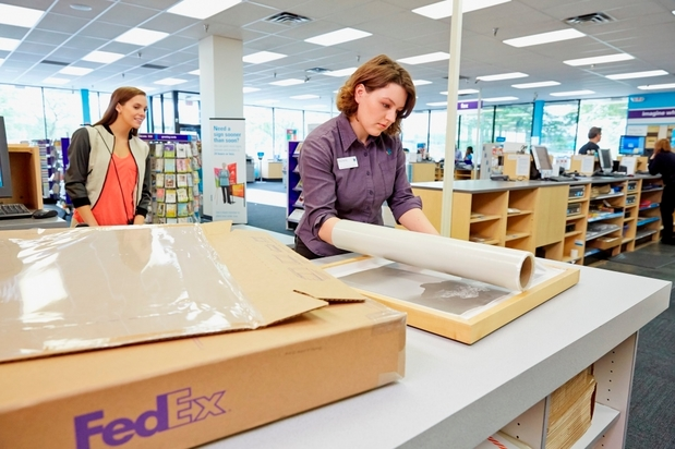 Images FedEx Office Print & Ship Center