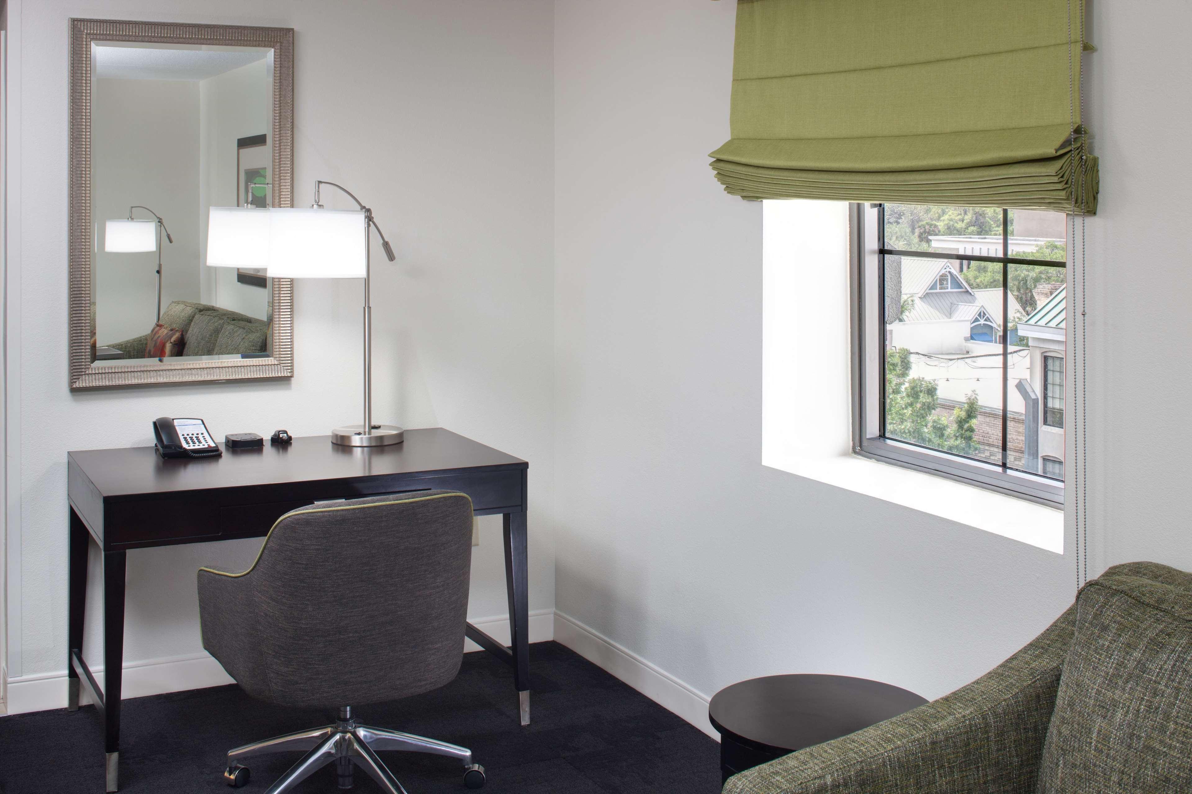 Hampton Inn & Suites Gainesville-Downtown