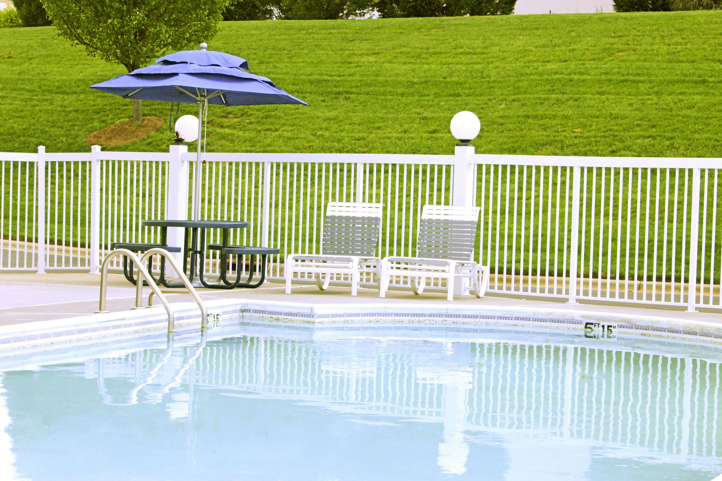 Four points by sheraton charlotte pineville pineville for Obi easy pool