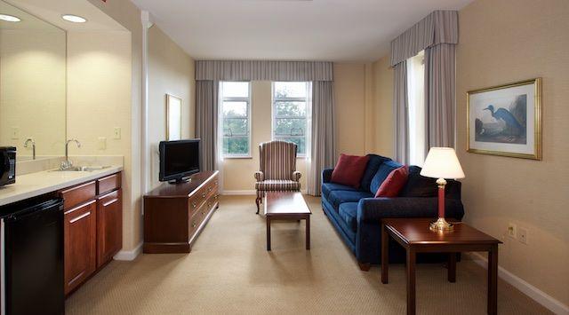 Hotels Near Bolger Center