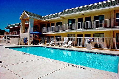 Motel 6 Austin Central - North image 4