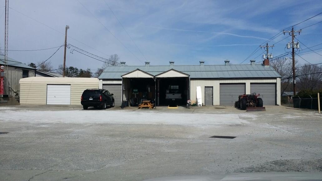 Exxonmobil Near Me >> Henderson Oil Co Inc Coupons near me in Hendersonville | 8coupons