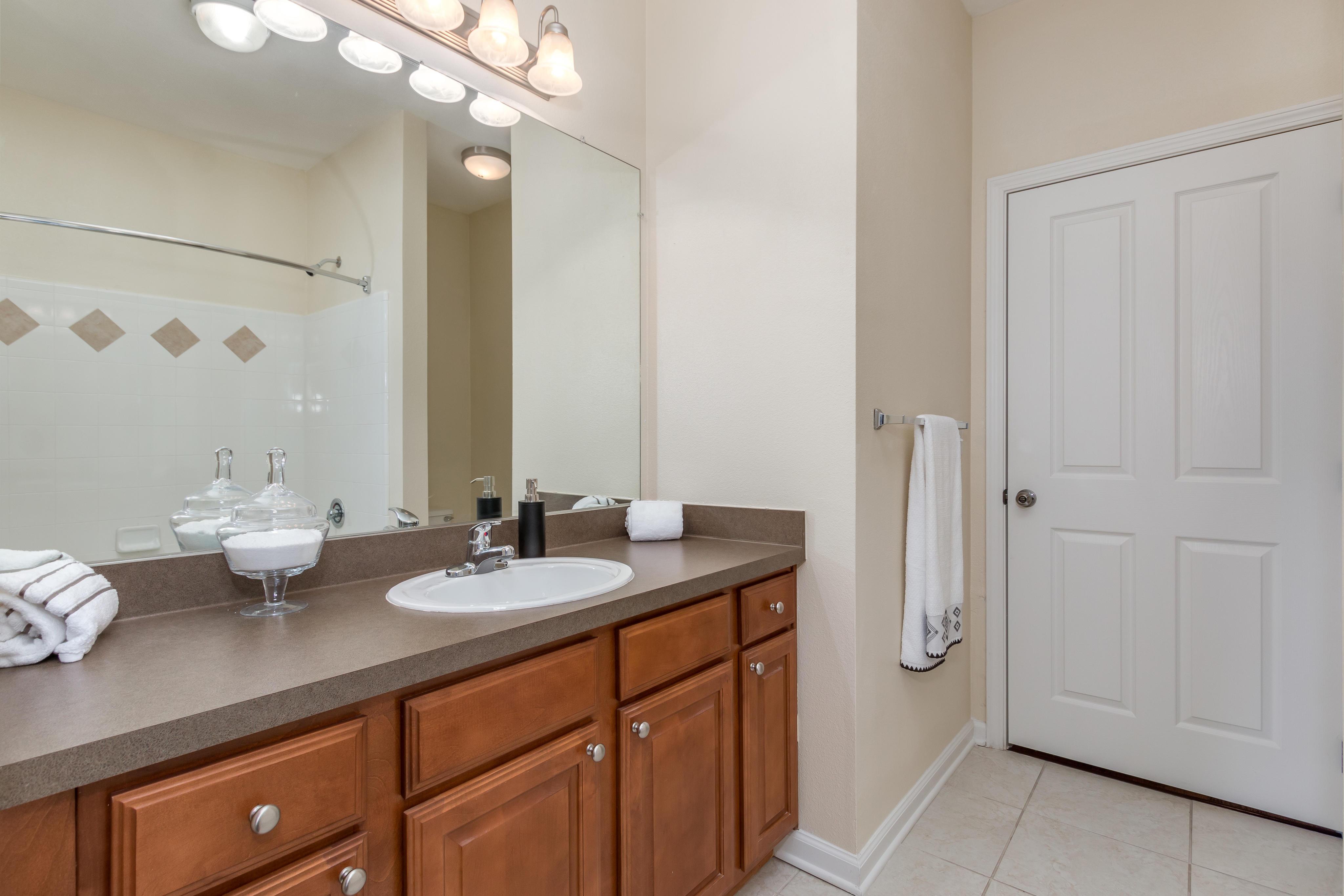 Apartment Rental Agency in TX Houston 77049 Advenir at Wynstone 6464 E Sam Houston Pkwy N  (281)458-1000