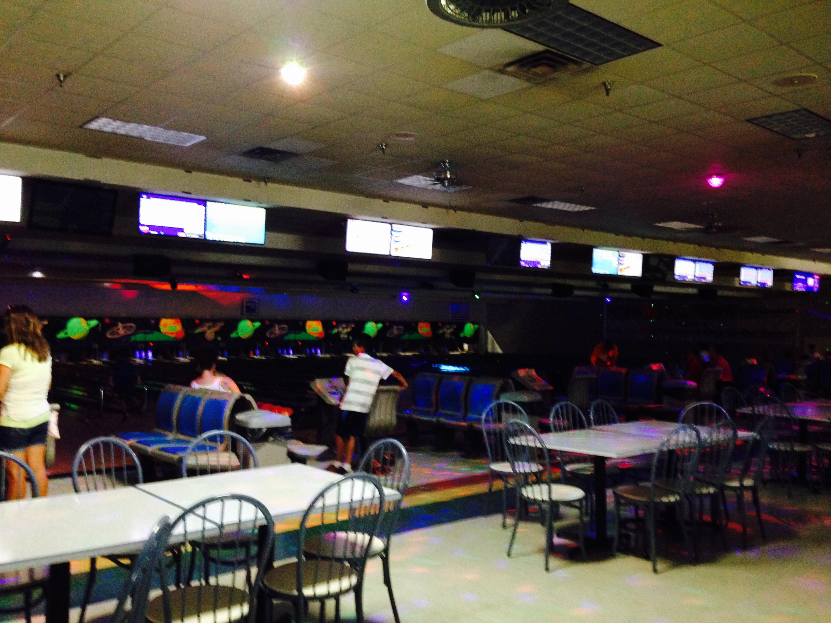 Rainbow Lanes Family Fun Center Coupons Near Me In New