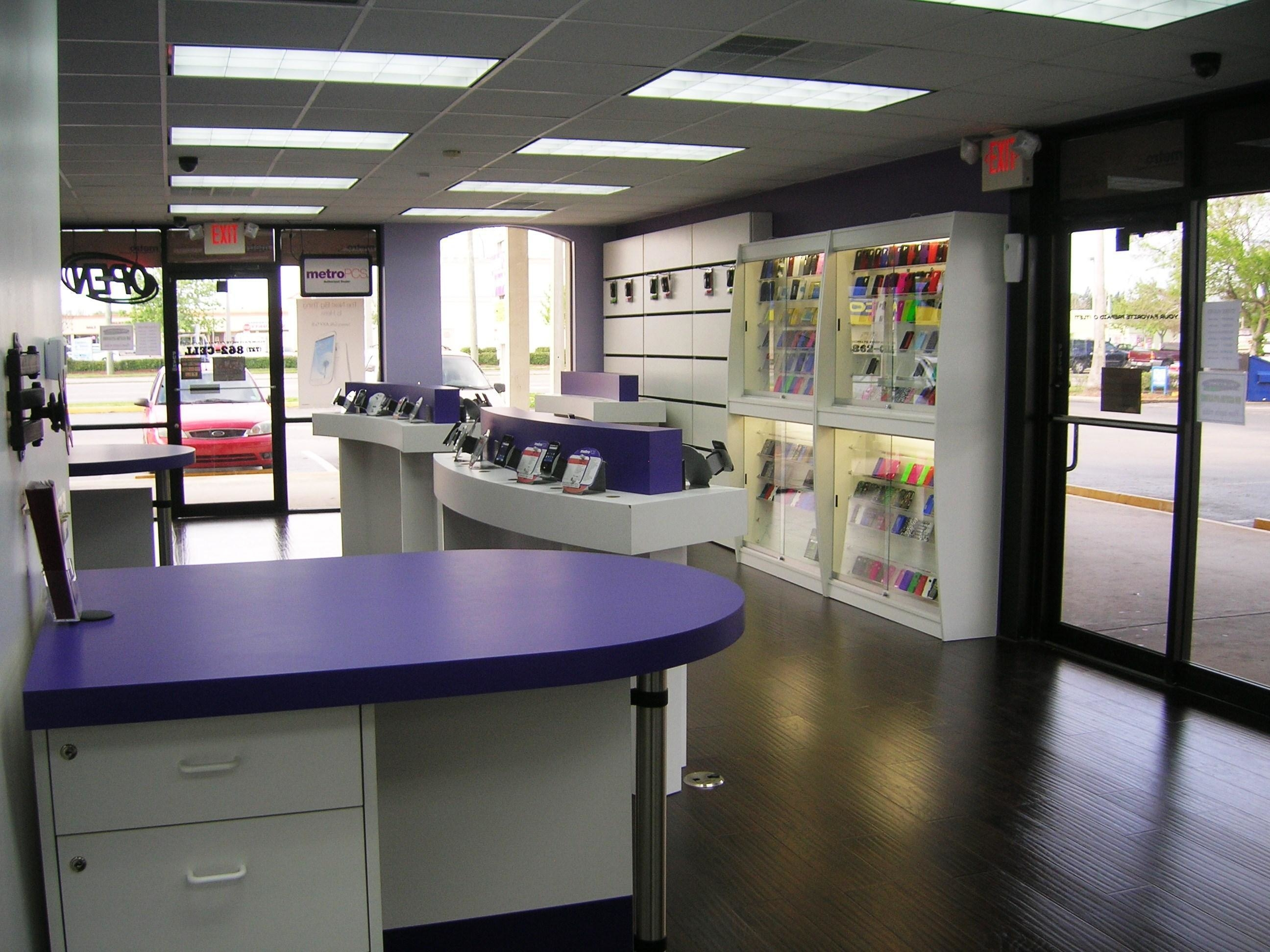 Find a MetroPCS® store near you. Use the locator to find the closest cell phone store or shop nearby or to get hours of operation for locations.