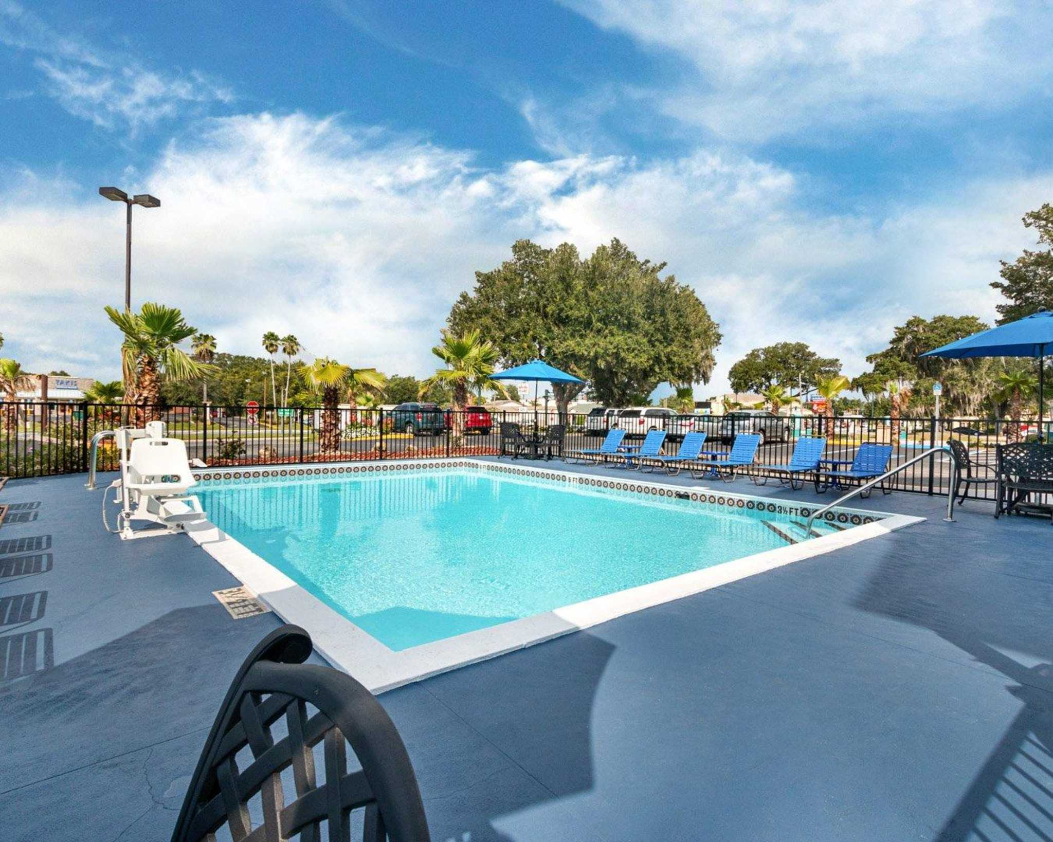 $37+ Orlando Hotels: AAA, Senior, Military & Cheap Rates