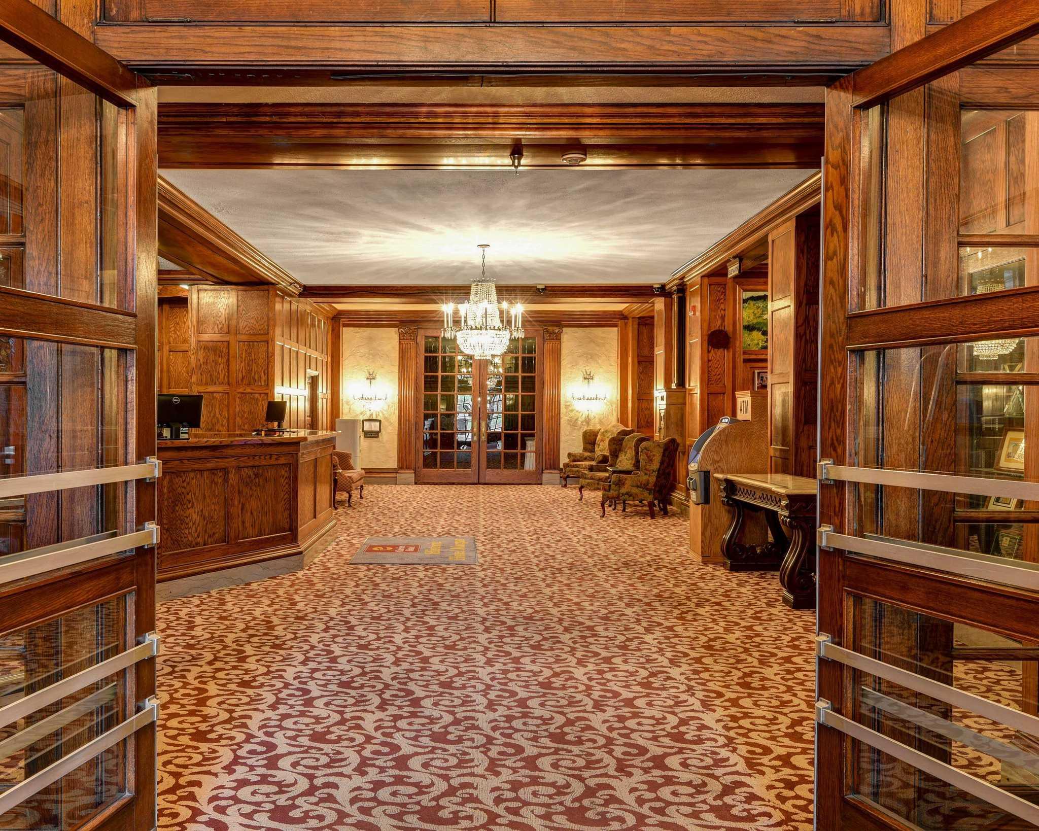 clarion hotel morgan morgantown west virginia wv. Black Bedroom Furniture Sets. Home Design Ideas