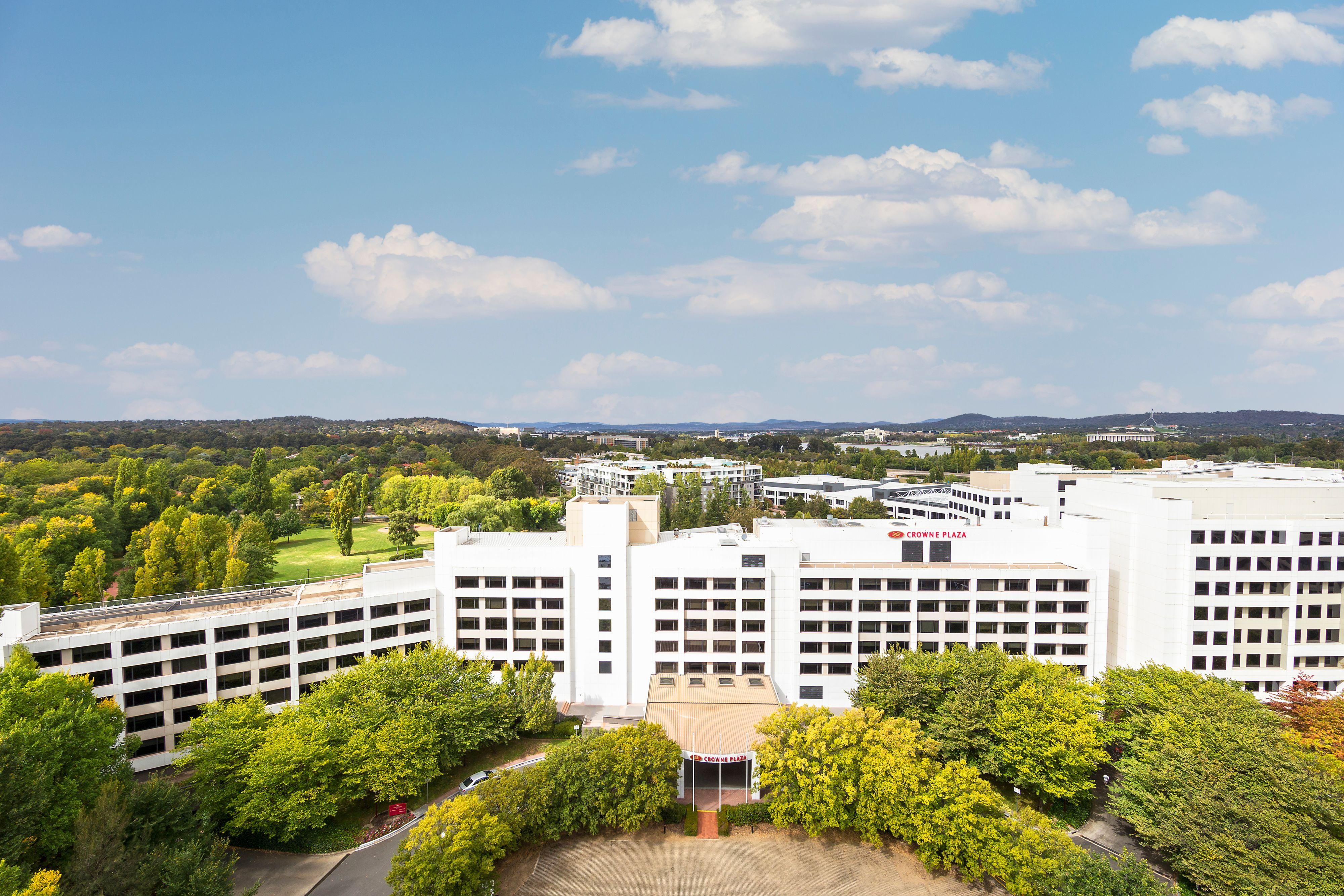 Crowne Plaza Canberra Canberra (02) 6274 5500