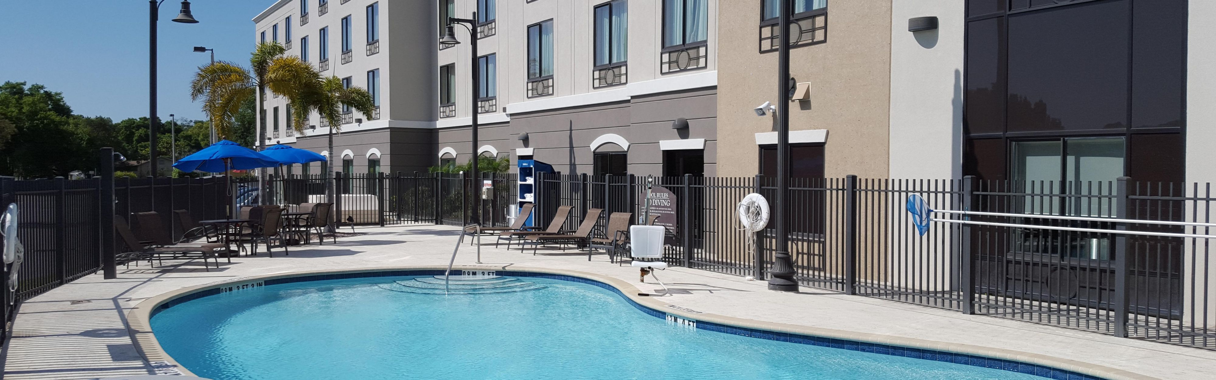 Holiday Inn Express Amp Suites Tampa Usf Busch Gardens