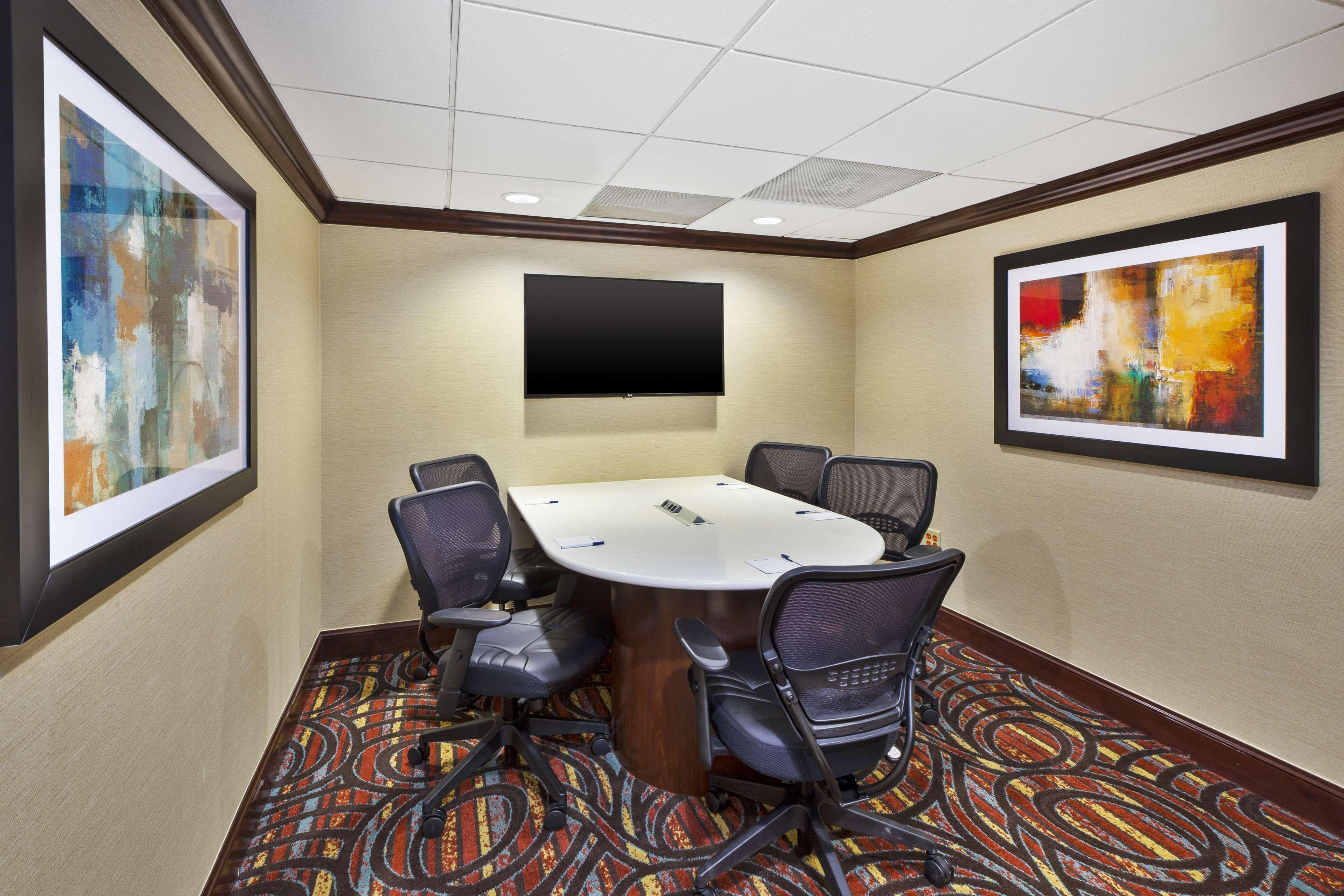 Sterling VA Hotels   BEST WESTERN Dulles Airport Inn