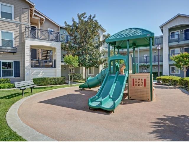 Civic Plaza Apartments Reviews