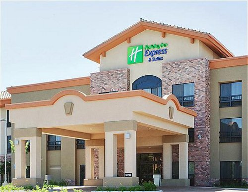 Holiday Inn Express & Suites Atascadero image 0