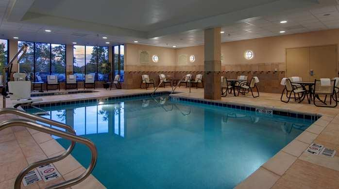 Hilton Garden Inn Milwaukee Airport In Milwaukee Wi 53207