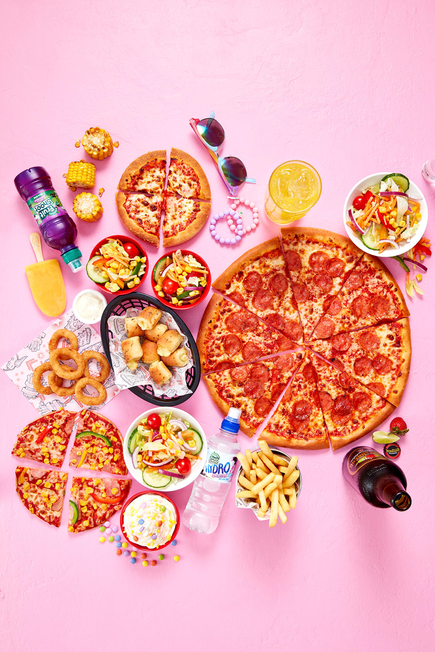 Pizza Hut Restaurants - Feed the entire family for £40 this summer. Pizza Hut Restaurants Glasgow 01236 721122