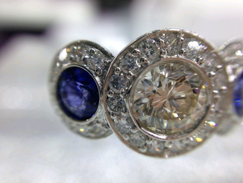 Eaton custom jewelers in plano tx 75024 for Jewelry stores plano tx