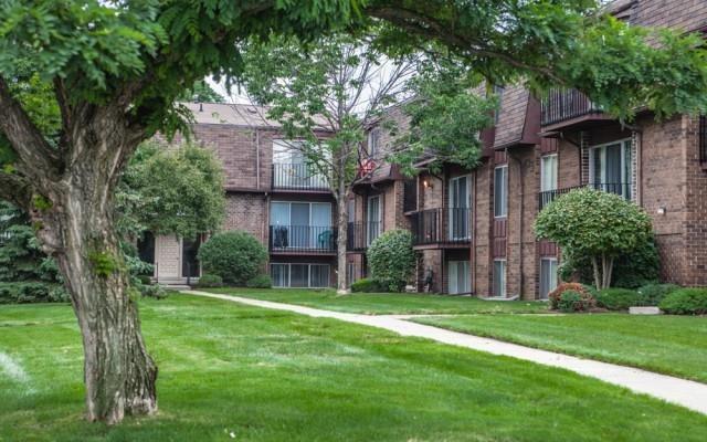 Clinton Lake Apartments