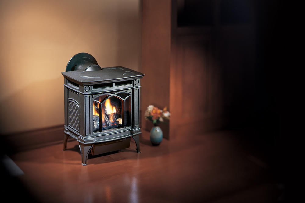 Fireplace Gallery in Edmonton: Hampton H15 Small Gas Stove - Black Cast Iron
